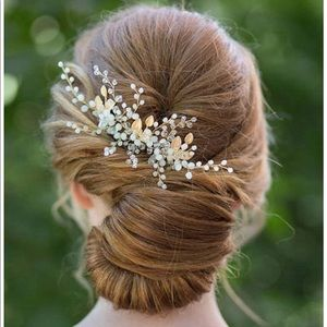 Gold and crystal wedding hair comb